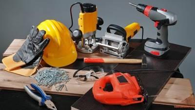 строительными или ремонтными инструментами